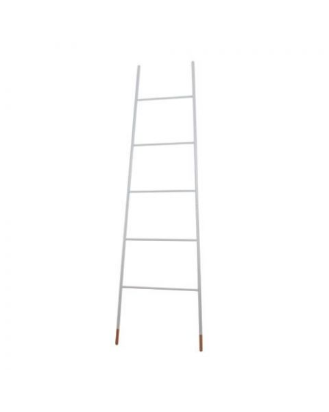 wit houten laddertje